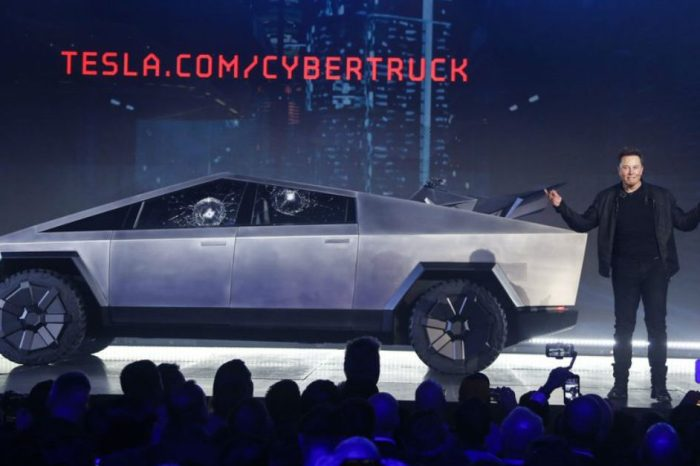 "Tesla Smashes Cybertruck's ""Unbreakable"" Windows During Unveiling Stunt"