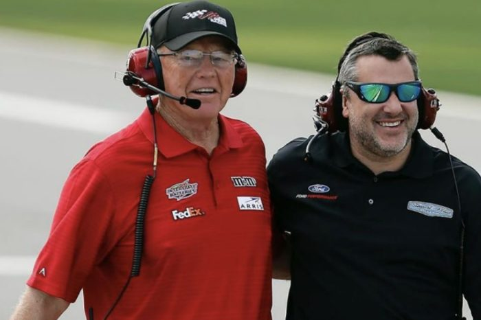 NASCAR Title Race Pits Tony Stewart Against Joe Gibbs