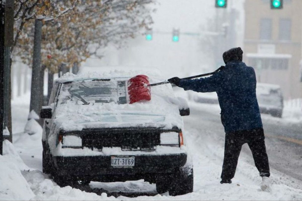 5 Items That Shouldn't Be Left Outside in Freezing Cars