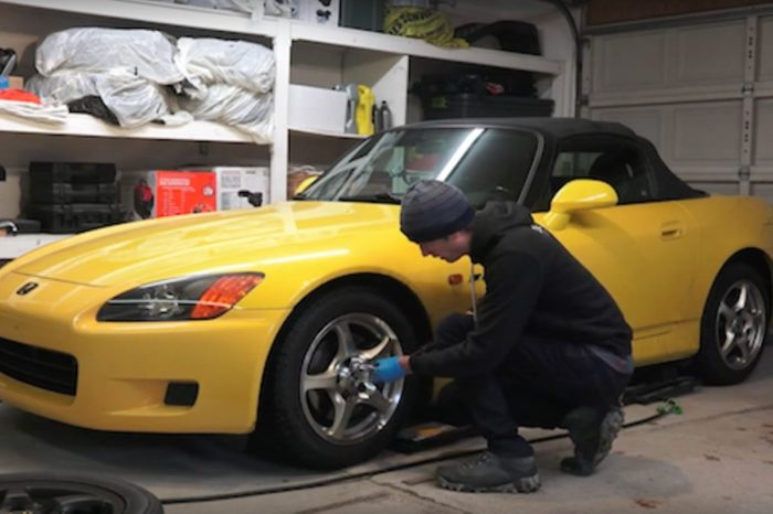 Auto Engineer Tests If You Need Winter Tires Even If It Doesn't Snow