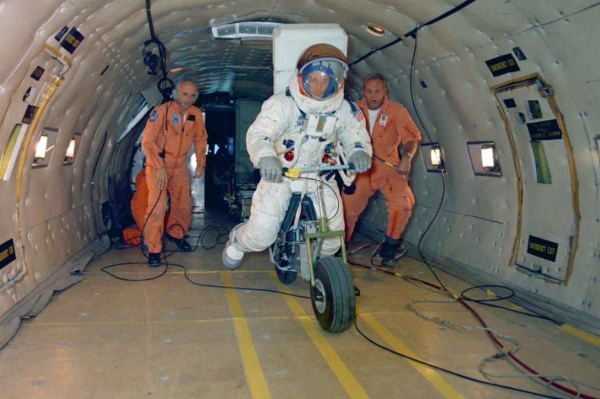 lunar electric motorbike