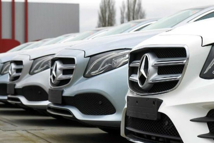Mercedes Recalls 750,000 Cars Because Sunroofs Can Detach, Fly Off