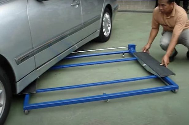 This Mini Car Lift Works Great in Any Garage