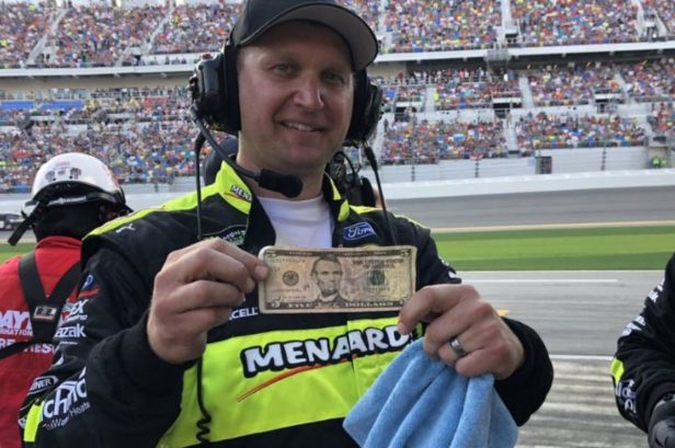 Ryan Blaney Made $5 at a Daytona 500 Pit Stop