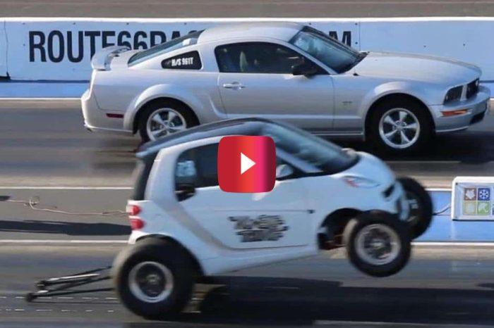 Smart Car Smokes Mustang GT in Drag Race