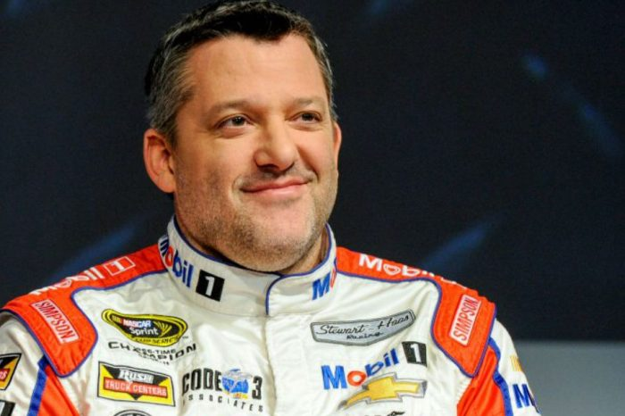 Tony Stewart Urges NASCAR to Lift Ban on Kyle Larson