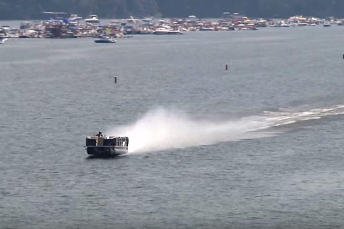 world's fastest pontoon boat