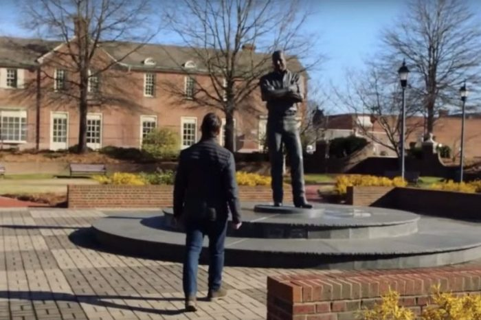 Jeff Gordon Visits Dale Sr.'s Statue in Touching Tribute to the NASCAR Legend