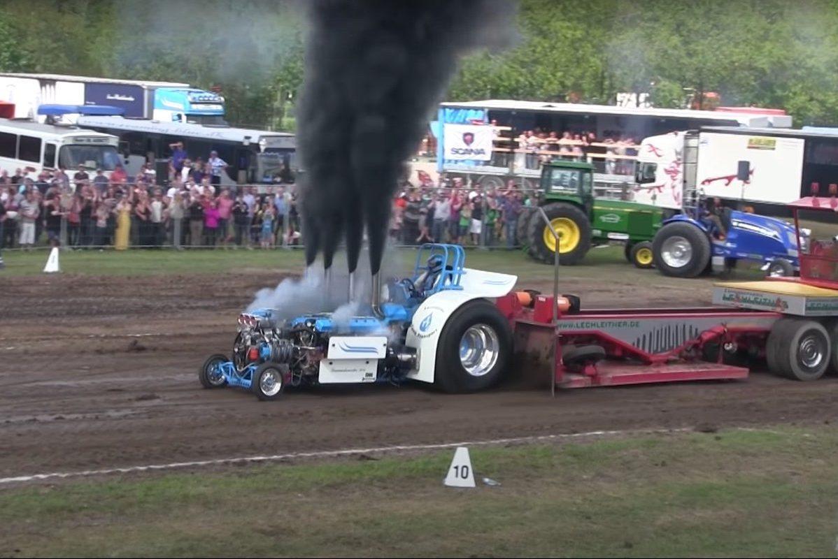 Slædehunden tractor