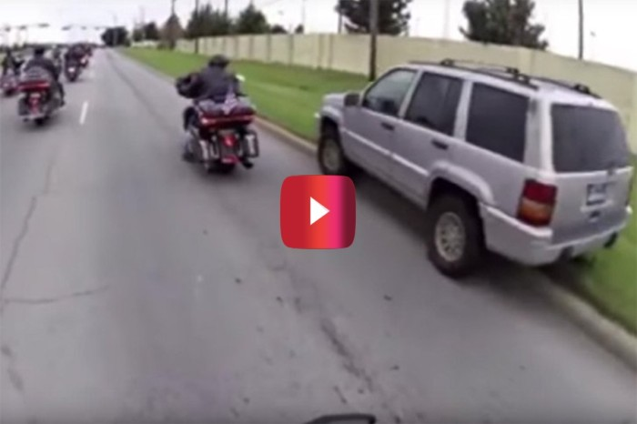 Jeep Cuts Off Bikers During Military Vet Motorcycle Ride, Gets Instant Karma