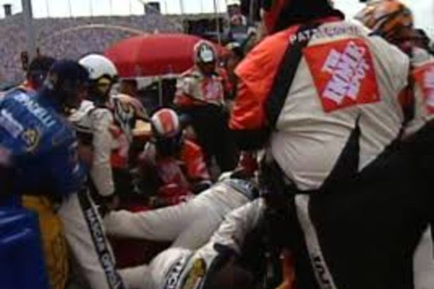 Tony Stewart and Kasey Kahne's Crews Clashed After Crash in Chicago