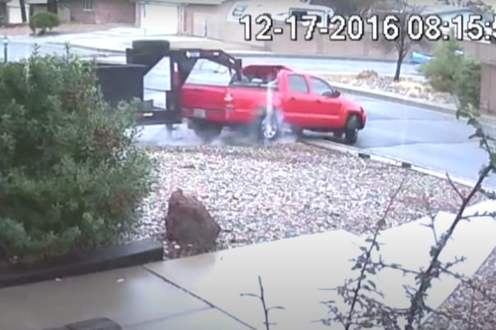 Suspected Toyota Tacoma Thief Has No Idea How Towing Works