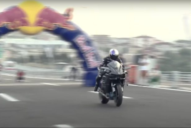 Kawasaki Rider Hits 248 MPH in 26 Seconds for World Record Run