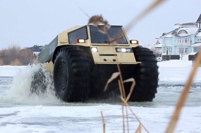 This Amphibious Vehicle Breaks Ice, Drives Through Half-Frozen Lakes