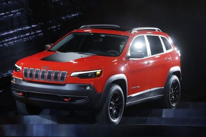 95,000 Jeep Cherokees Recalled Due to Unexpected Power Loss Problems