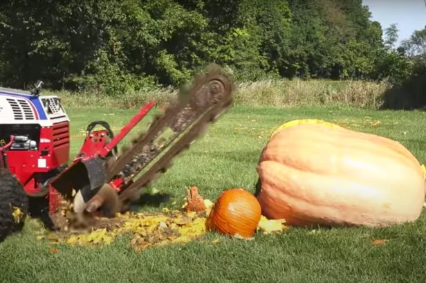 Tractor With All the Bells and Whistles Demolishes a 975-Pound Pumpkin