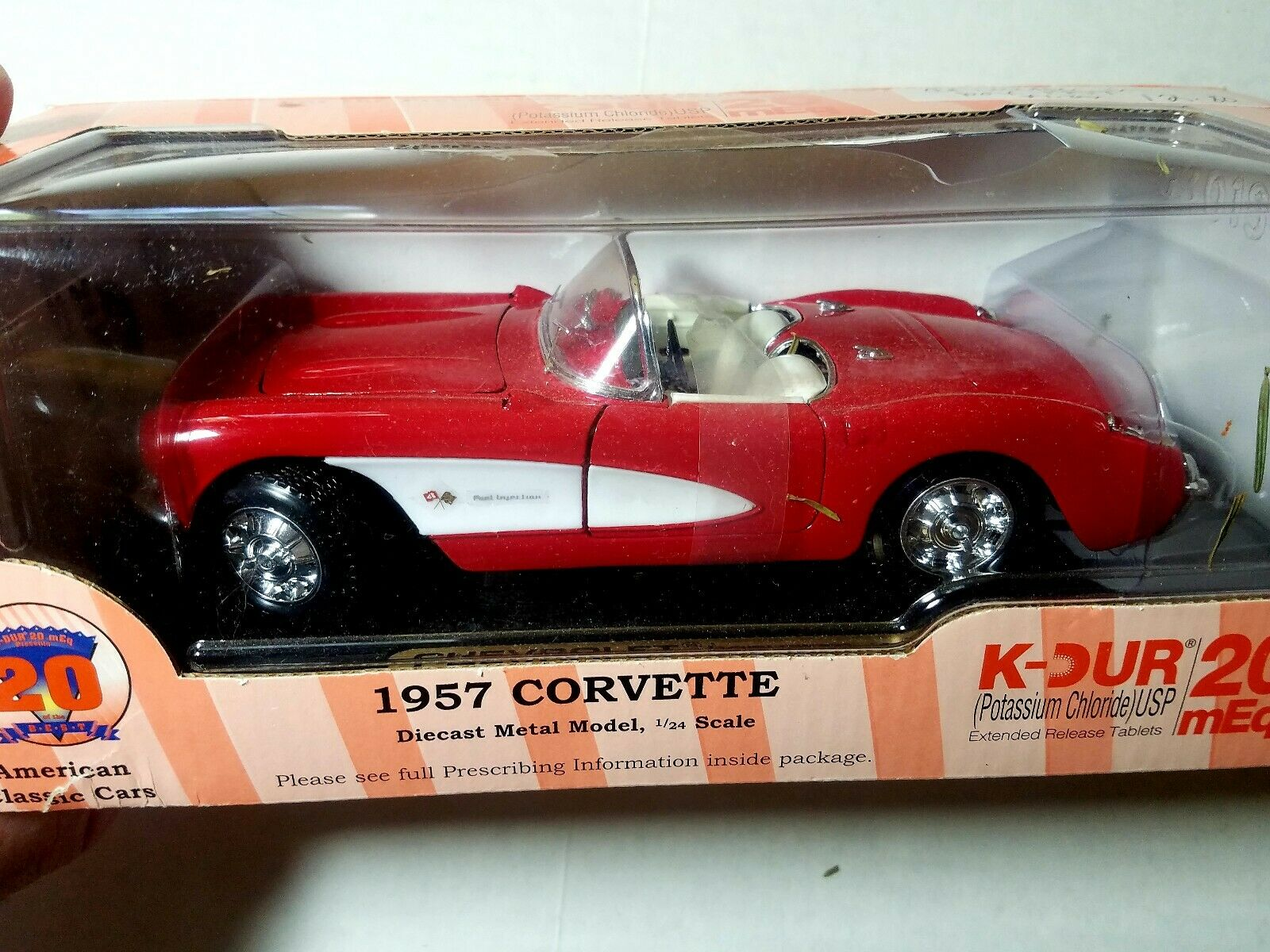 American Classic Cars 1957 Corvette 1:24 Diecast Metal Model