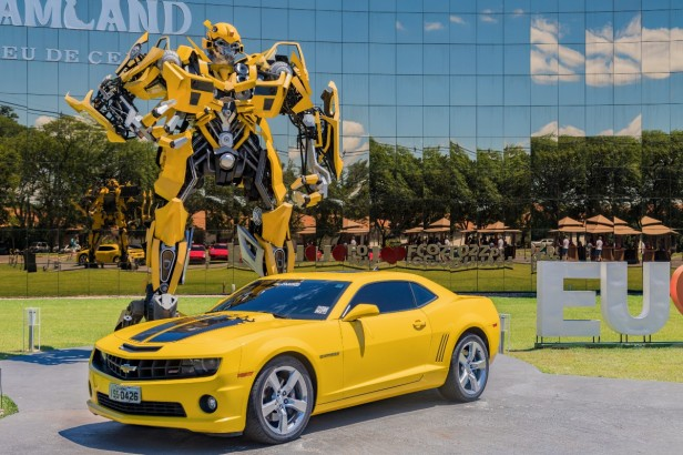 """How the Bumblebee Car """"Transformed"""" From a VW Beetle to a Camaro"""
