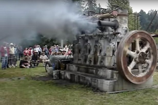 This Massive Engine From 1936 Is a Smoke-Spewing Monster