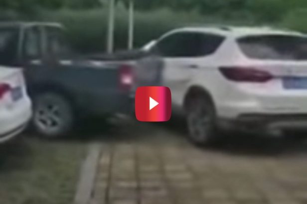 Pickup Truck Driver Bangs Up Illegally Parked Car in the Ultimate Vigilante Move