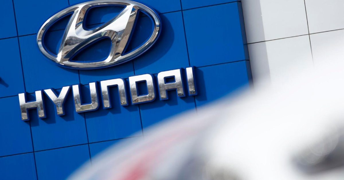 Hyundai Recalls 180,000 SUVs, Warns Owners to Park Outside