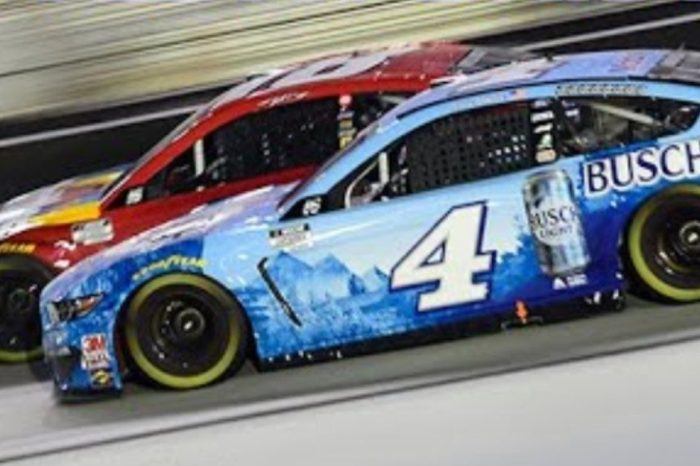 Kevin Harvick, Kyle Busch Duked It Out in Intense Battle at Bristol