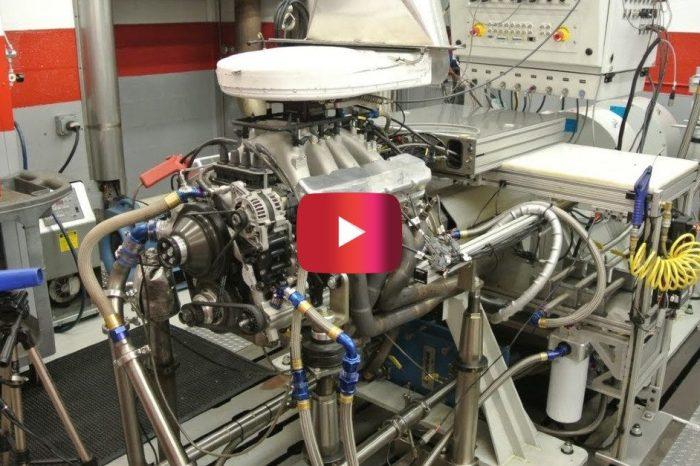 Toyota NASCAR Engine Screams on Dyno