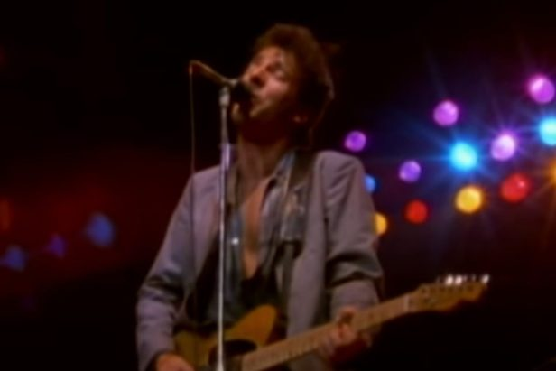 """Bruce Springsteen's """"Thunder Road"""" Is a Quintessential Driving Song"""