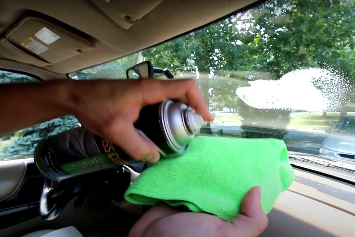 cleaning windshield no streak