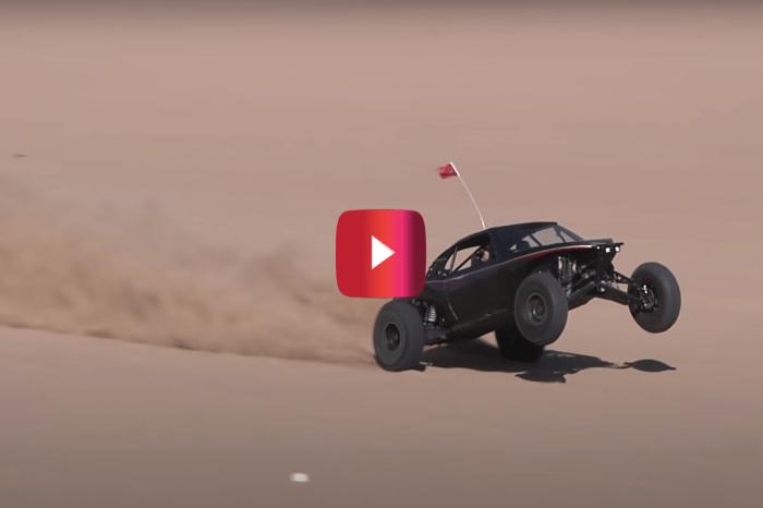 1,600-HP Sand Car Rockets Down California Dunes