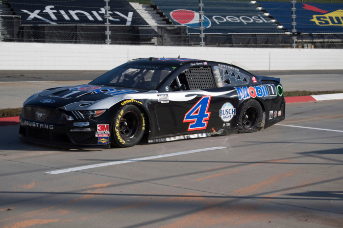 Kevin Harvick Collapses; NASCAR's Championship Four Is Set