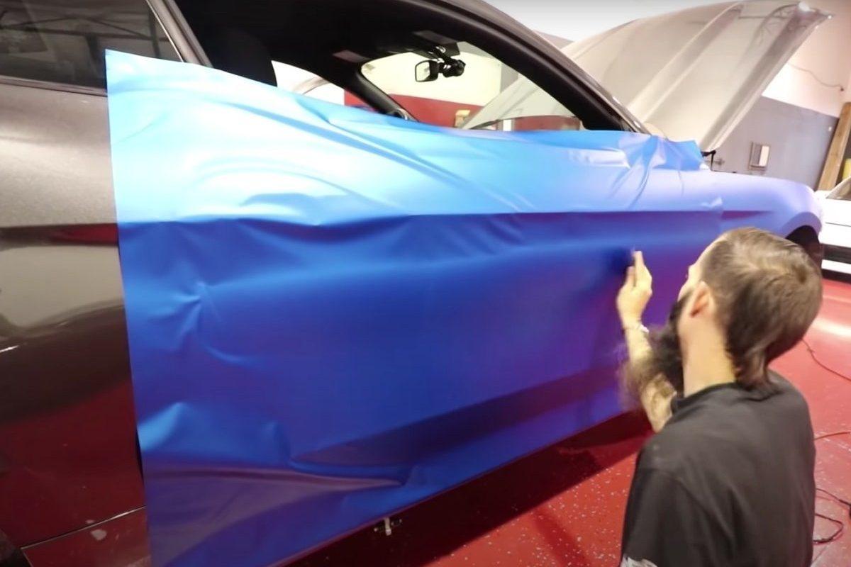 vinyl wrapping a car