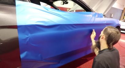 vinyl wrapping a car