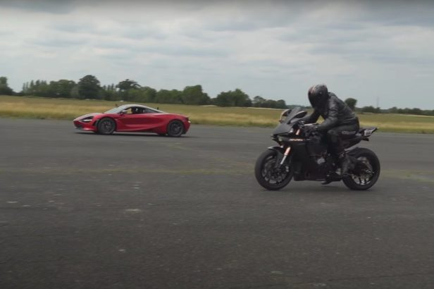 McLaren 720S Shows Its Dominant Speed in Race Against Yamaha R1