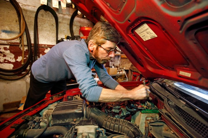 What's a Mechanic's Salary, and How Can You Become One?