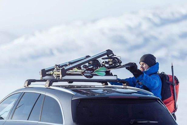 5 Snowboard Roof Racks for Your Next Snowboarding Adventure