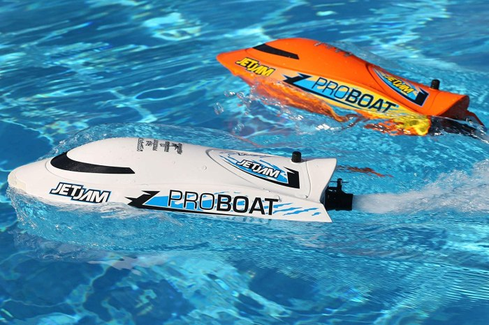 RC Jet Boats Are Lake and Pool-Friendly for Year-Round Fun