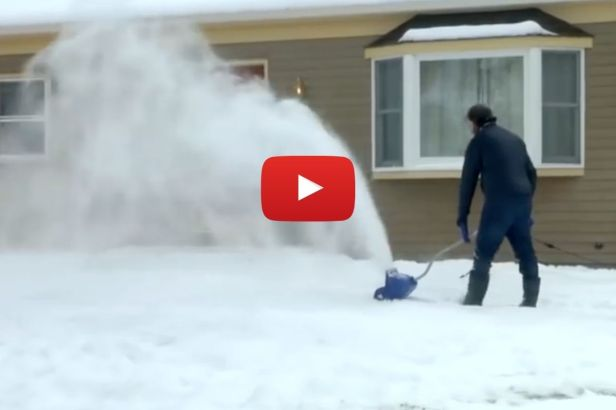 $80 Electric Snow Shovel Can Move 400 Pounds of Snow Per Minute