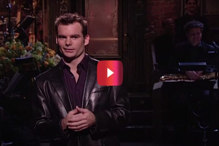 """Jeff Gordon Deals With Some Weird NASCAR Fans in Classic """"SNL"""" Monologue"""