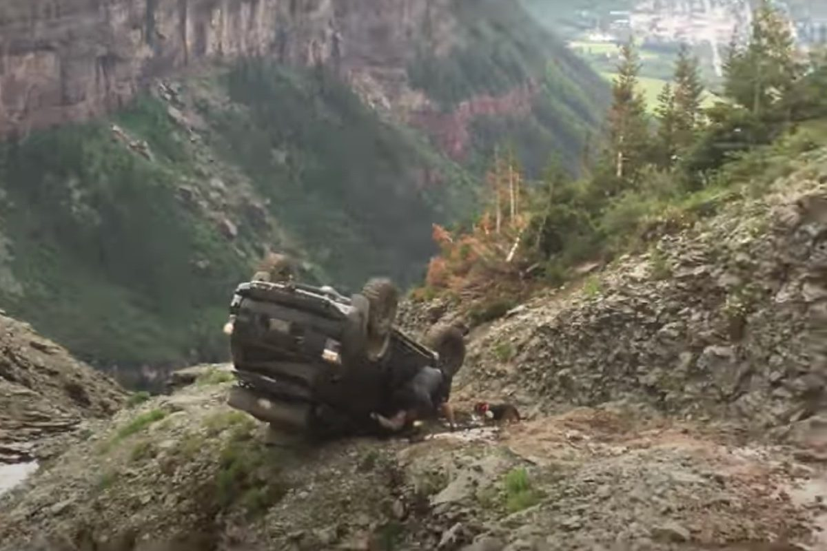 4runner almost falls off cliff