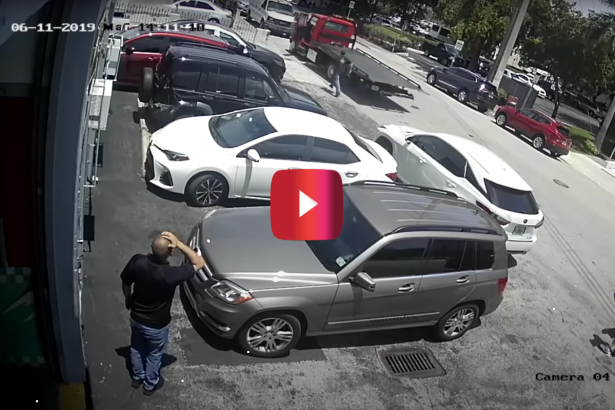 Mechanic's Massive Towing Mistake Gets Caught on Camera, and He Probably Lost His Job