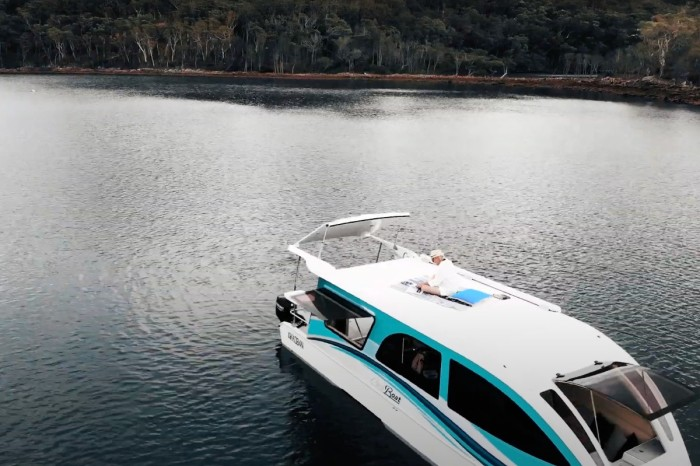 CaraBoat: The Easy-to-Tow Houseboat Is Perfect for Vacations on the Water