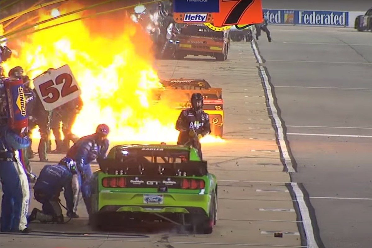 brendan gaughan pit crew fire