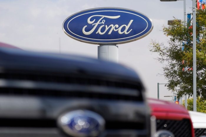 Ford to Build Trucks Without Computers Due to Chip Shortage