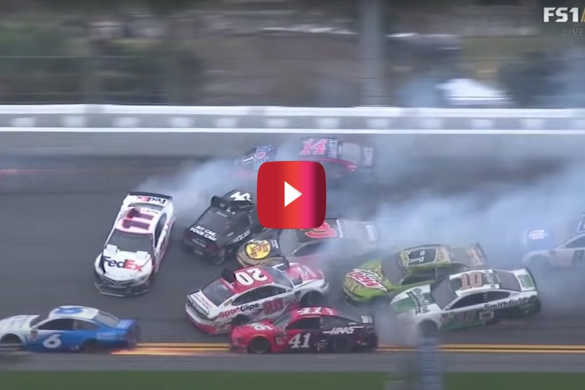 jimmie johnson wreck at the clash 2019