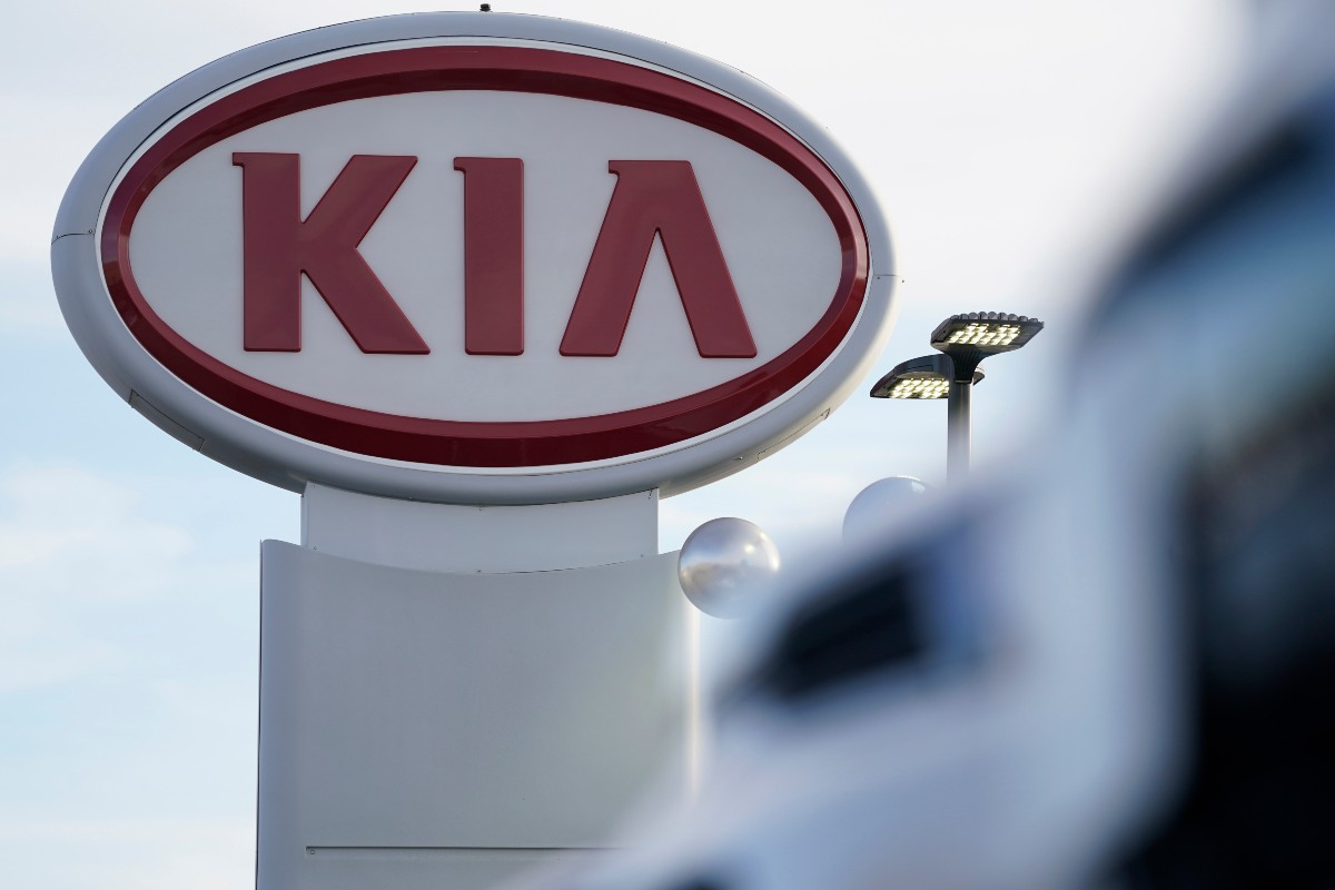 Kia Recalls 380K Vehicles for Fire Risk, Warns Drivers to Park Outside
