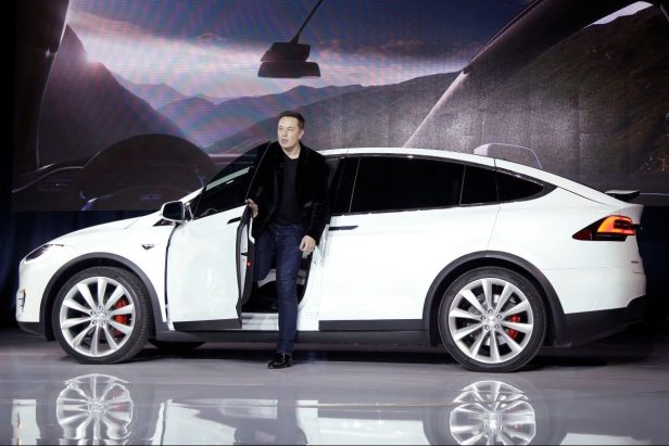 Consumer Reports Tricks Tesla Car Into Driving With No One at Wheel