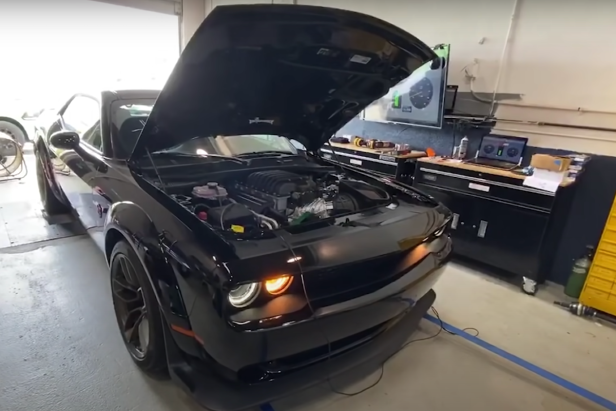 Hellephant: The High-Performance Hemi Engine That Puts Out 1,000 Horsepower