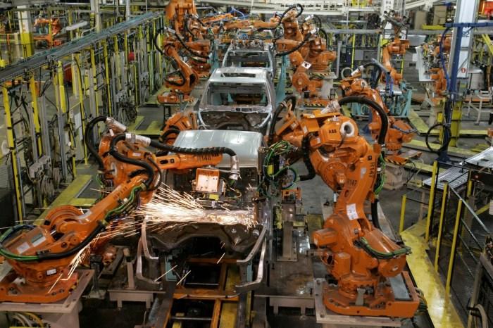 Coronavirus Surge in Michigan Slows Production at Ram Truck Plant