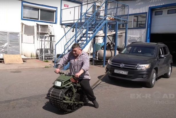 """This Tiny Motorcycle Tank Called """"The Hamster"""" Is One Seriously Versatile Machine"""